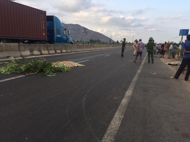 Hiện trường vụ tai nạn (ảnh: Thanh Niên).