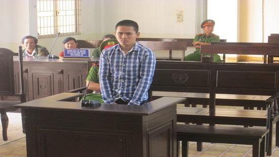 Bị cáoTrần Hoài Hận tại phiên tòa