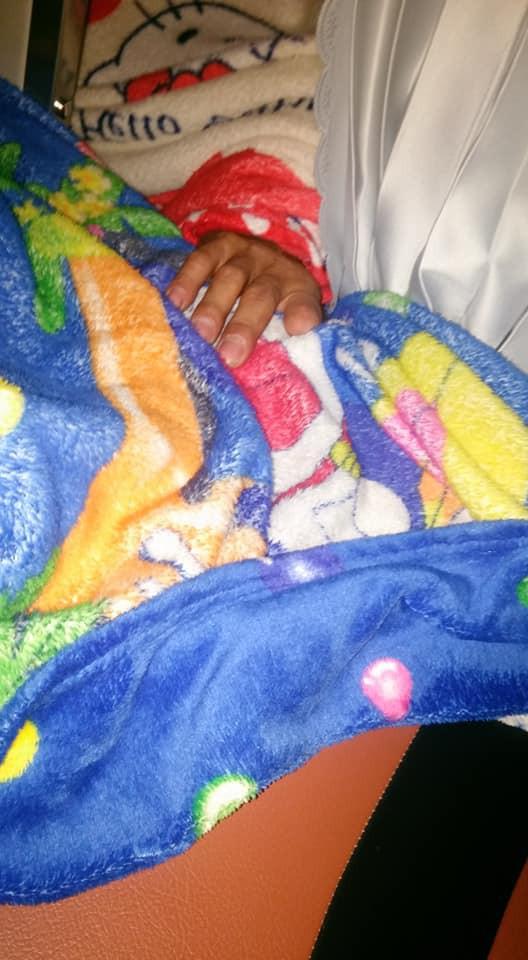 Không chỉ một lần mà đến nữa đêm bàn tay này tiếp tục lần sang khu vực giường nằm của hành khách nữ