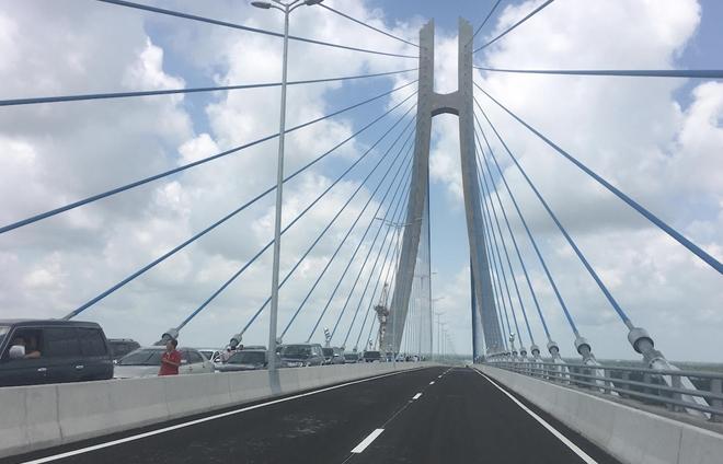 Cầu Vàm Cống dự kiến thông xe vào cuối tháng 5.