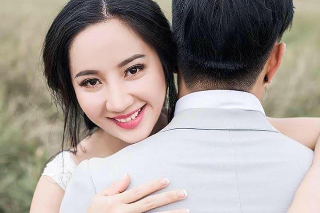 Bà xã Lê Dương Bảo Lâm sở hữu ngoại hình xinh đẹp.