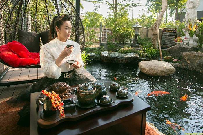 Từ trường hợp của Nhật Kim Anh, vị quản lý khuyến cáo nghệ sĩ không nên công khai thông tin nhà cửa lên báo.