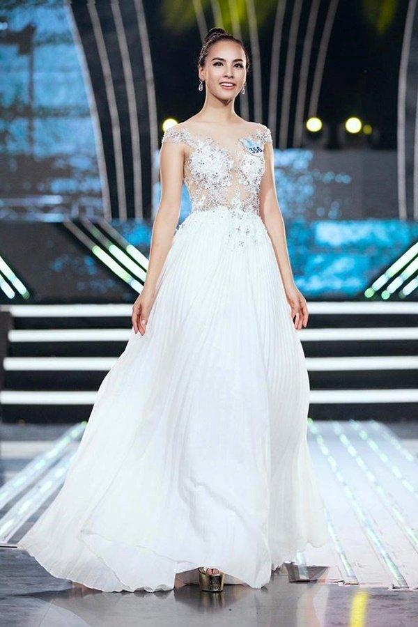 Cô đã lột xác hoàn toàn khi giảm cân để tham gia Miss World Vietnam 2019.