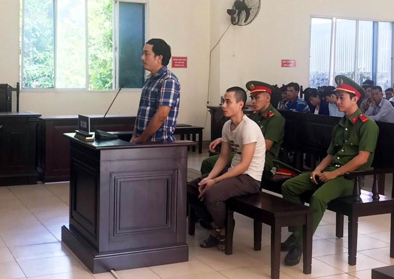 Cả 2 bị cáo đều tỏ ra ân hận về việc mình đã gây ra