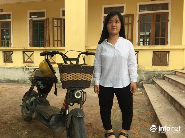 Tuy đôi chân bị dị tật từ lúc còn nhỏ nhưng với những nổ lực của bản thân và sự giúp đỡ của thầy cô và bạn bè Hằng luôn đạt học sinh giỏi toàn diện trong 12 năm học.