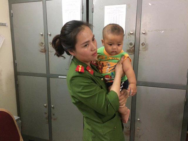 Chiều ngày 7/10 bỗng nhiên xuất hiện một nam thanh niên tới công an phường Mỹ Đình 2 xin nhận con.