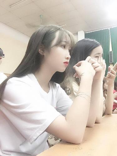 """24252171 508077819557680 2090909350 n - HOT Girl Phạm Hương Trà - Cô Giáo Tương Lai """"đốn tim"""" FAN"""