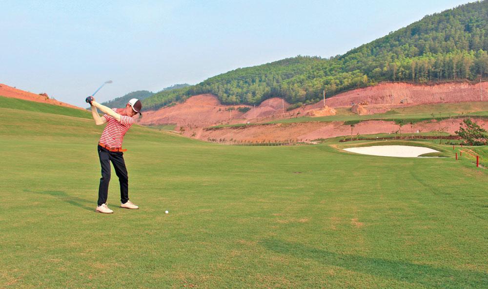 Sân Golf và Dịch vụ Yên Dũng.