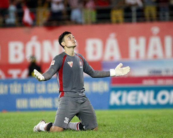 Đặng Văn Lâm bắt chính trong trận đấu tối qua