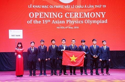 Đội tuyển Olympic Vật lý châu Á của Việt Nam năm 2018
