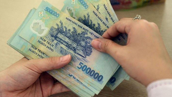 Theo Nghị định, từ ngày 1/7/2018, mức lương cơ sở là 1.390.000 đồng/tháng, thay cho mức cũ là 1.300.000 đồng/tháng.