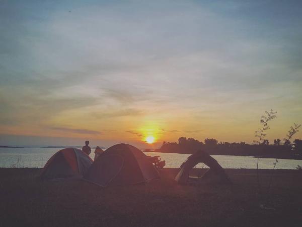 Một góc rất thơ ở hồ Dầu Tiếng - Ảnh: @ar381