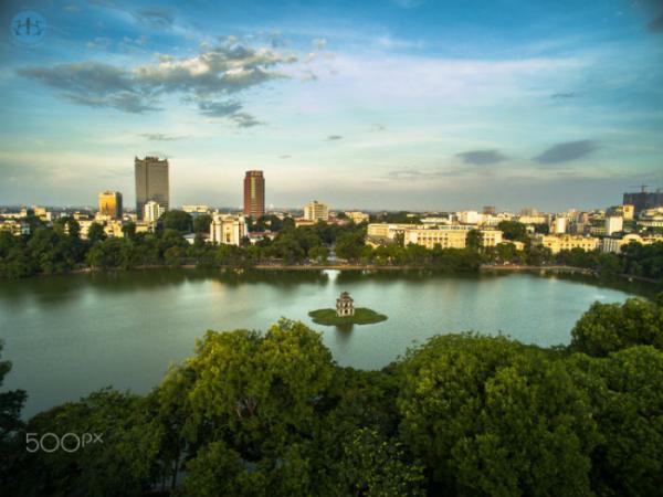 Hồ Hoàn Kiếm giữa lòng Thủ đô - Ảnh: Vu Hoang Long