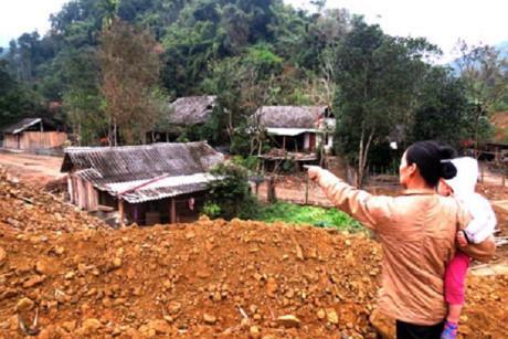 Những ngôi nhà dân ở thôn Bản Pẻn nằm trong dự án xây dựng Hồ Nặm Cắt.