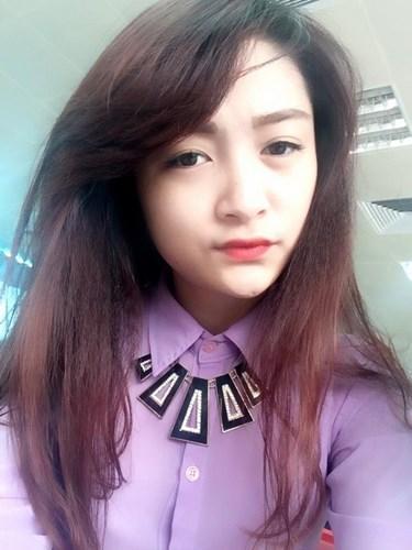 """Quỳnh Cherry tên thật là Nông Thị Quỳnh người dân tộc Nùng được nhiều người ưu ái đặt cho cái tên """"hot girl dân tộc""""."""