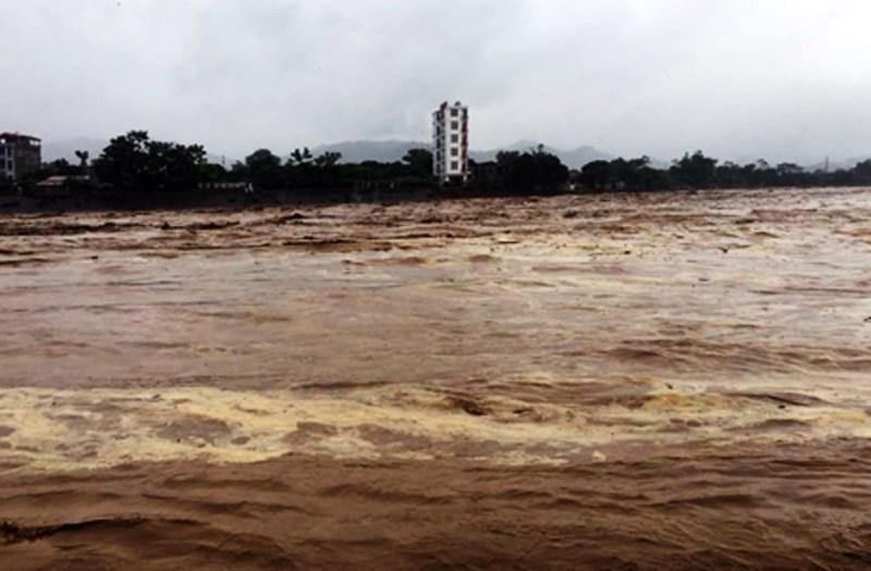 Mưa lũ kinh hoàng tiếp tục xảy ra ở Yên Bái, Hòa Bình, Sơn La, Thanh Hóa khiến nhiều người chết mất tích