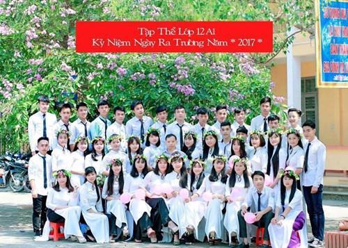 Lên và các bạn lớp 12A1 Trường THPT Bộc Bố