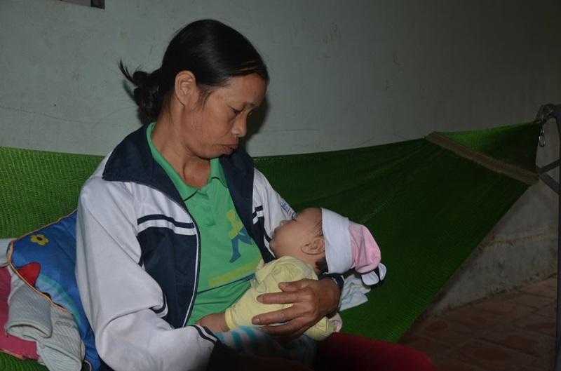 Chị Hằng sống cùng cha mẹ đẻ, vợ chồng chị vừa chào đón đứa con thứ ba - Ảnh: Internet