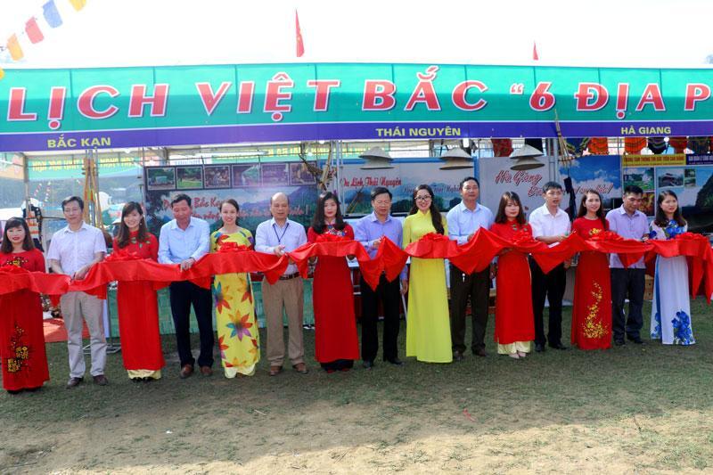 Đồng chí Phạm Duy Hưng-Phó Chủ tịch UBND tỉnh, Trưởng Ban tổ chức Chương trình Du lịch