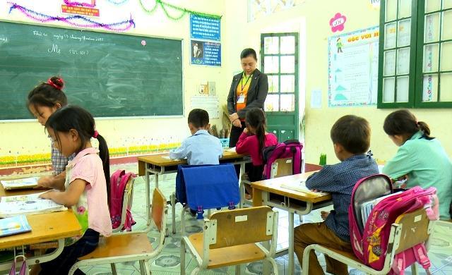 Lớp học tại thôn Phiêng Lủng.