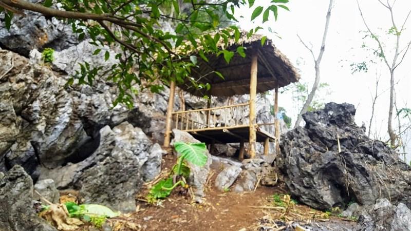 Nhà chòi là nơi nghỉ chân cho du khách.