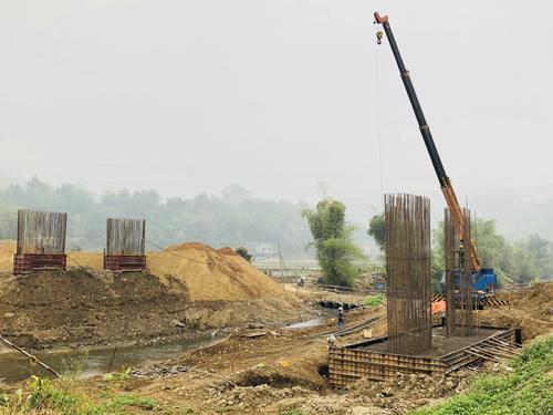 Cầu Nặm Cắt đang được đẩy nhanh tiến độ thi công