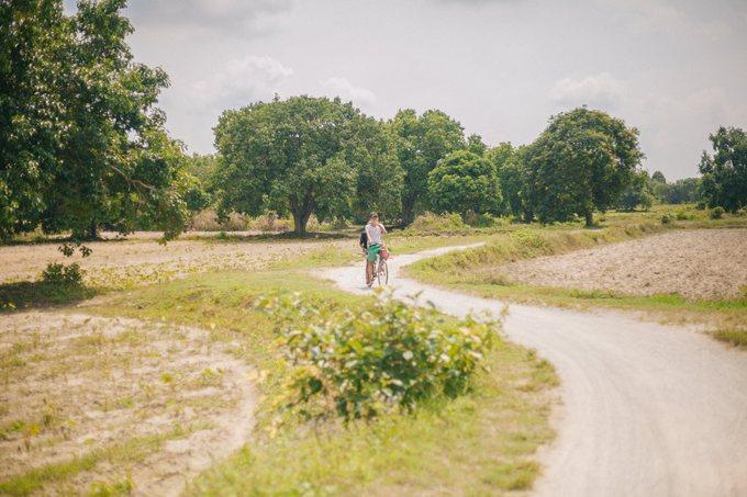 Cung đường gợi ý lý tưởng dành cho những bạn đi trong ngày, vừa di chuyển vừa chụp ảnh: Từ trung tâm An Giang đến Tri Tôn, dừng ở đồi Tà Pạ, hồ Tà Pạ, khu du lịch đồi Tức Dụp rồi chạy thẳng thêm 5 km là đến Ô Thum.