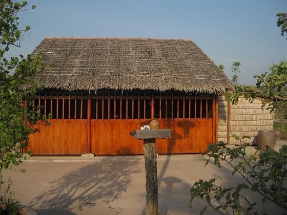 Nhà ông Lê Văn Giáo (Năm Giáo), người nông dân nghèo góa vợ, từng cưu mang cụ Phó bảng những ngày cuối đời. Cụ Sắc mất đêm 26.10.1929 - Ảnh: TTD