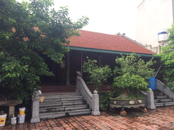 Ngôi nhà 5 gian được làm bằng gỗ quý, kiên cố của cụ Pháo.
