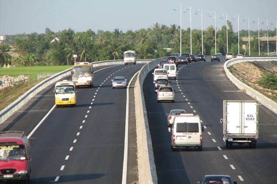 Tuyến cao tốc TP.HCM - Trung Lương đưa vào sử dụng tạo thêm động lực phát triển vùng Đồng bằng sông Cửu Long.