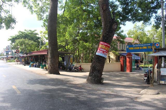 Khu vực cổng phòng khám đa khoa Tuy Hòa, nơi sản phụ S. xuất hiện và bắt xe ôm đi về phía cầu Hiệp. Ảnh: Đ.Tùy