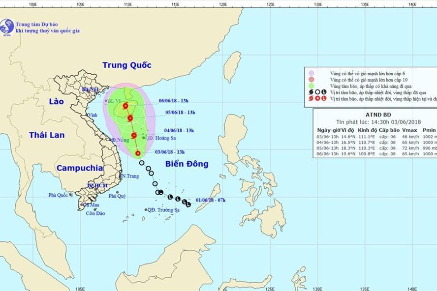 Đến 13 giờ ngày 5.6, vị trí tâm bão ở vào khoảng 18,3 độ vĩ Bắc, 110,3 độ Kinh Đông, trên khu vực phía Nam đảo Hải Nam. Ảnh: NCHMF