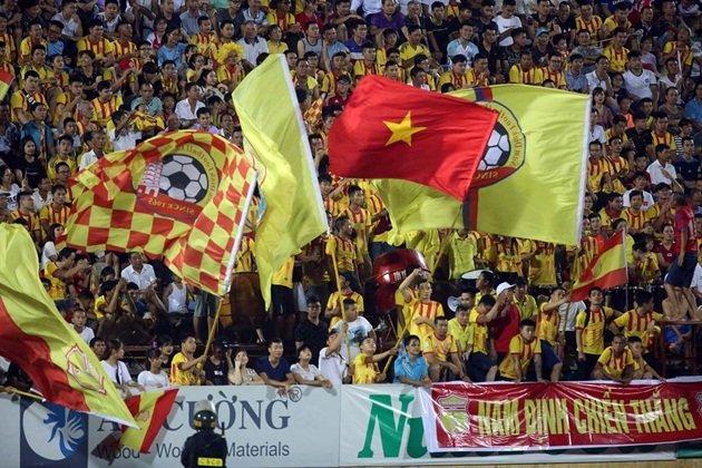 CĐV Nam Định đã trở lại với đội bóng.