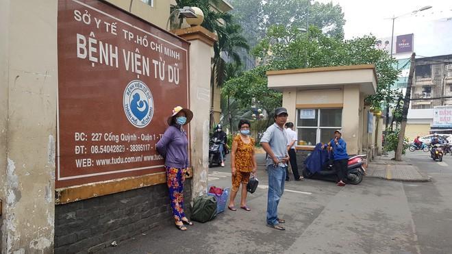 Sản phụ được chuyển từ Bình Phước đến BV Từ Dũ (TP.HCM) cấp cứu.