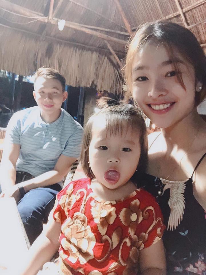 Nguyệt Minh cùng con gái và người yêu cũ