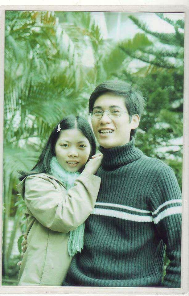 Hình ảnh vợ chồng chủ thớt cách đây hơn chục năm.