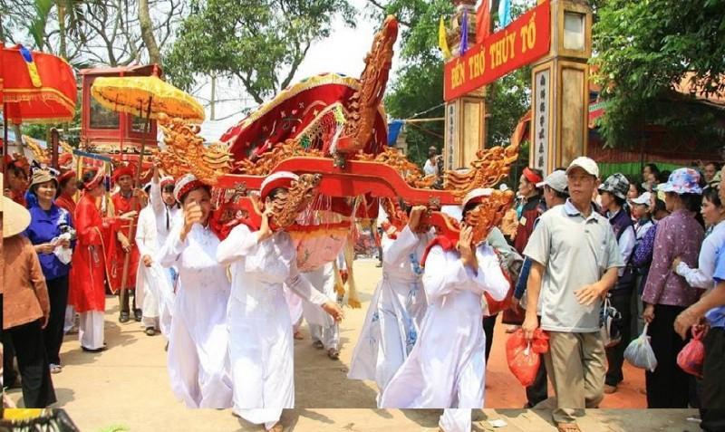 Lễ rước kiệu là một trong những điểm nhấn của Hội chùa Lương