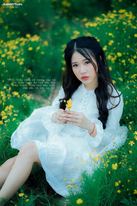 Ngoài việc làm mẫu ảnh, cô nàng xinh đẹp Hà Trang còn có đam mê rất lớn với múa dân gian.
