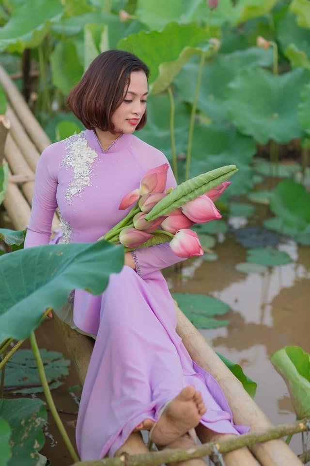 Được biết, đầm sen được trồng và chăm chút cẩn thận trong một thời gian dài. (Ảnh: Bùi Lê Duẩn)