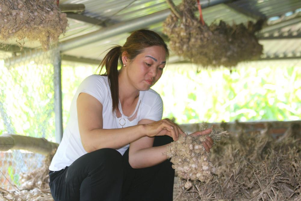 Chị Nguyễn Thị Niên, Chủ nhiệm hợp tác xã An Bình