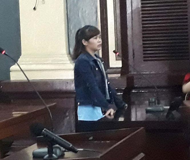 Chị Nguyễn Thị Thủy Tiên tại tòa. Ảnh: Tân Châu