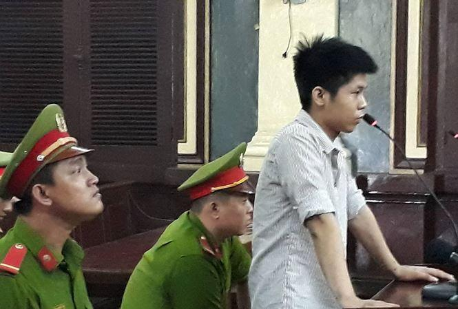 Công tố vừa đề nghị tử hình bị cáo Nguyễn Hữu Tình. Ảnh: Tân Châu