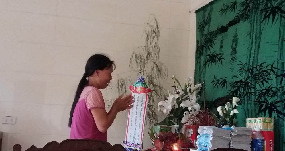 Người mẹ đau xót trước bàn thờ di ảnh con trai