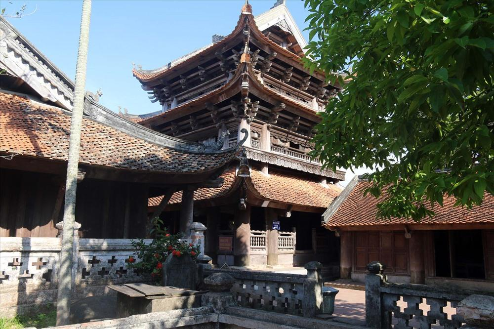 Gác chuông , điểm nhấn trong kiến trúc chùa Keo. Ảnh. Chu Thái Hà