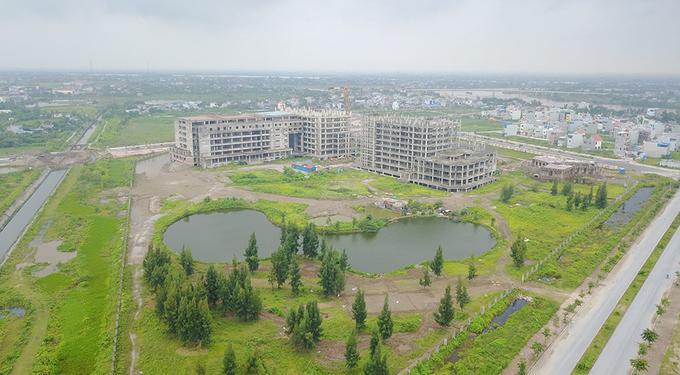 Toàn cảnh công trình xây dựng Bệnh viện 700 giường Nam Định đang bị bỏ hoang