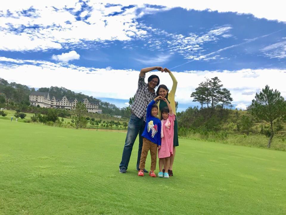 Gia đình hạnh phúc của chị Minh Hiền.