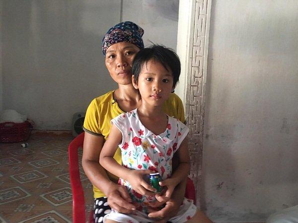 Mắc bệnh tim bẩm sinh, bé Hà Vy đang cần được phẫu thuật gấp để giữ tính mạng