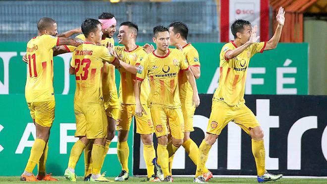 Nam Định vừa có trận hòa quý giá trước Hà Nội trên sân Hàng Đẫy. Ảnh: V.S.I