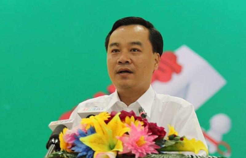 Ông Trần Quang Châu, Trưởng phòng CTXH, BV Quận 2 khẳng định tiền ủng hộ sẽ dành để nuôi dạy những đứa trẻ và không để sản phụ tự quản lý.