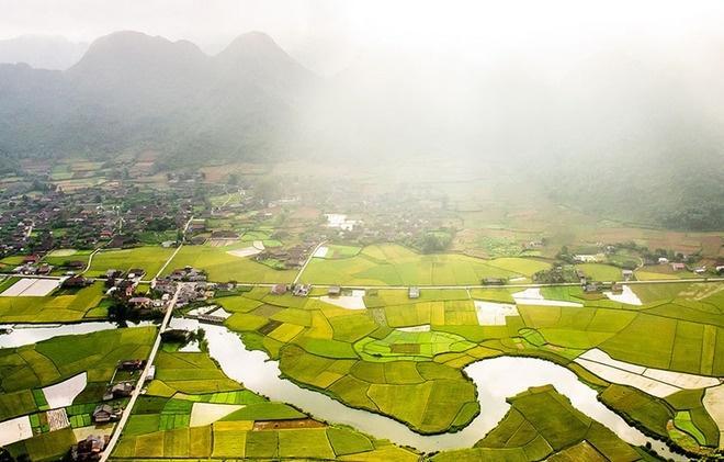 Vào khoảng giữa tháng 7, thung lũng Bắc Sơn (huyện Bắc Sơn, tỉnh Lạng Sơn) bước vào mùa lúa chín, cũng là lúc nơi đây dập dìu du khách ghé thăm.